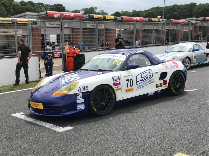 Angus' Boxster S before the race start